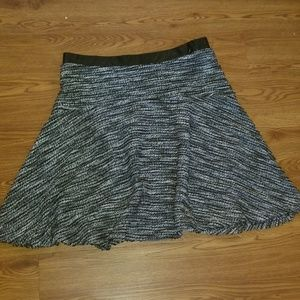 Black and white yarn skirt